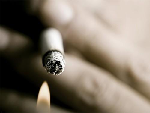 Дети курящих отцов в три раза чаще болеют астмой