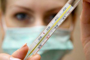 Грипп наступает: как справиться с болезнью людям в годах?