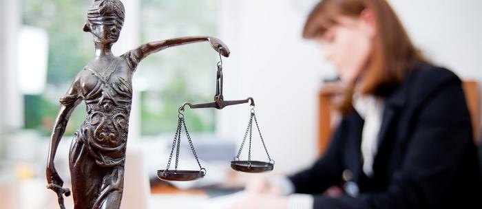 Возможно ли найти адвоката онлайн?