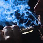 Электронные сигареты эквивалентны табакокурению, считает эксперт