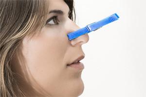 Симптомы и эффективное лечение заложенности носа