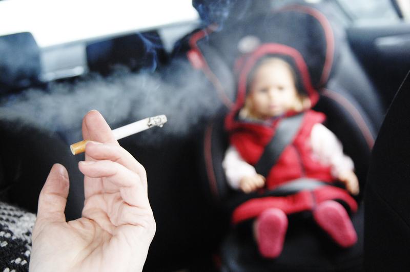 Пассивное курение повышает риск смертельной формы менингита у детей