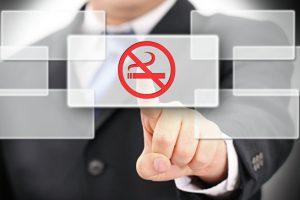 Минздрав рекомендует запрет на продажу табака родившимся после 2015 года
