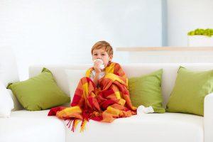 Грипп и ОРВИ у детей: народные методы лечения, которые не работают