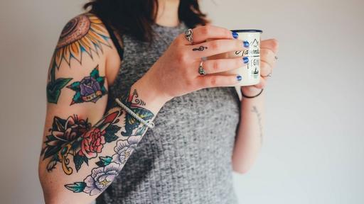 Вредные примеси из татуировок путешествуют по всему телу