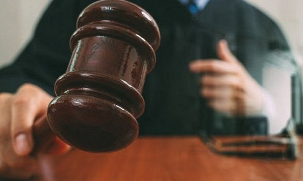 Пластических хирургов судят за отказ ВИЧ-инфицированным пациентам