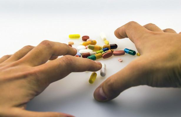 Ученые бьют тревогу. Антибиотики могут стать бесполезными в борьбе с инфекциями.