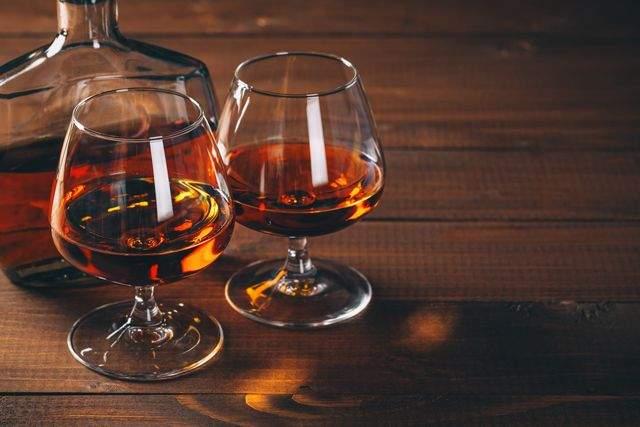 Врачи подсказали, какой алкогольный напиток полезен для легких