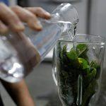 Венесуэльцы с ВИЧ пьют настойки из листьев вместо лекарств