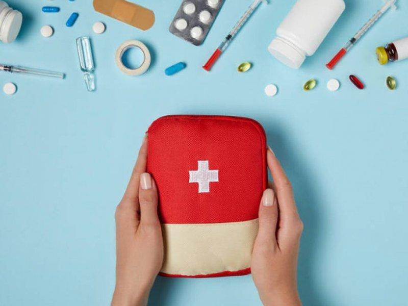 Какие средства должны быть в аптечке в сезон ОРВИ: советы врача