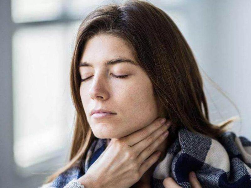 Болит горло: 9 случаев, когда нужно обязательно обратиться к врачу