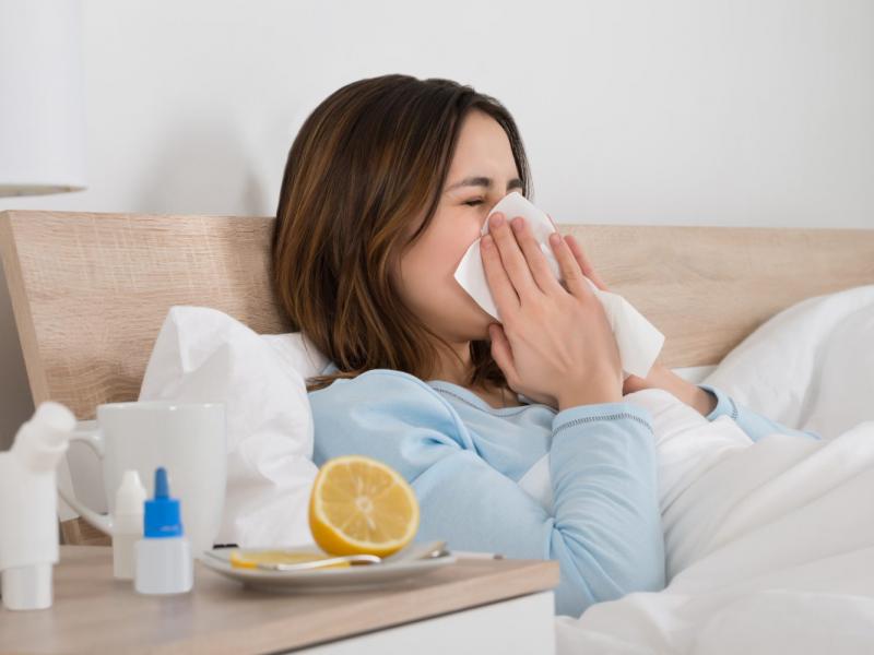 Иммунолог из США рассказала, почему зимой мы болеем простудой чаще