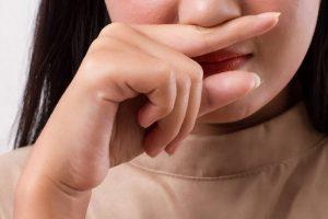 Специалисты назвали причины, из-за которых не проходит насморк