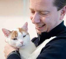 Собаки и кошки могут заразиться коронавирусом от людей