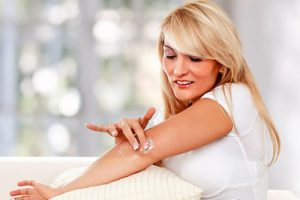 Сухая кожа на локтях может говорить о нарушениях в организме