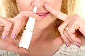 Спрей для носа смог спасти от смерти вследствие COVID-19