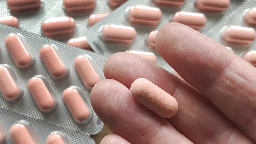 Крупнейшее исследование не подтвердило эффективности витамина D против COVID-19